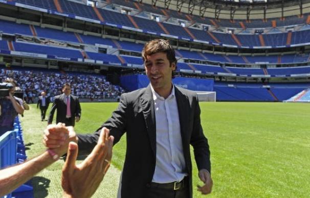 Raúl también tuvo una fría despedida pero años después se pudo despedir del Bernabéu.