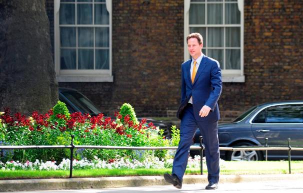 """El nuevo primer ministro británico promete un Gobierno dedicado a lograr """"un liderazgo estable"""""""