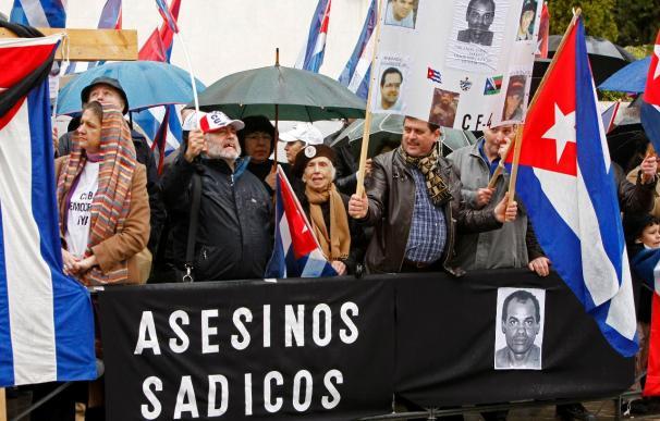 Opositores cubanos piden mayor coherencia al Gobierno con el régimen de Cuba