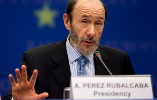 Rubalcaba preside una reunión del comité que coordina los medios ante la borrasca