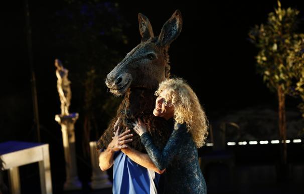 Darío Facal reinventa el 'Sueño de una noche de verano' de Shakespeare en las Naves del Español