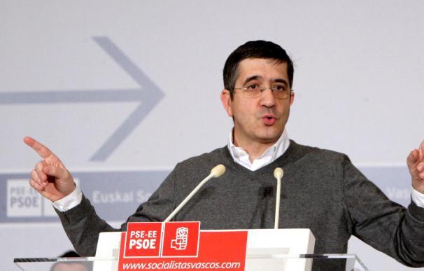Patxi López afirma que el PNV sólo está interesado en debatir sobre el marco político