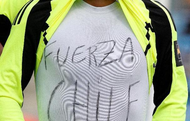 Suazo muestra su apoyo a los afectados por el terremoto en Chile