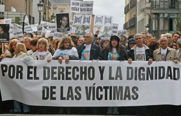 Miles de personas se concentran en Madrid por la reforma de la Ley del Menor