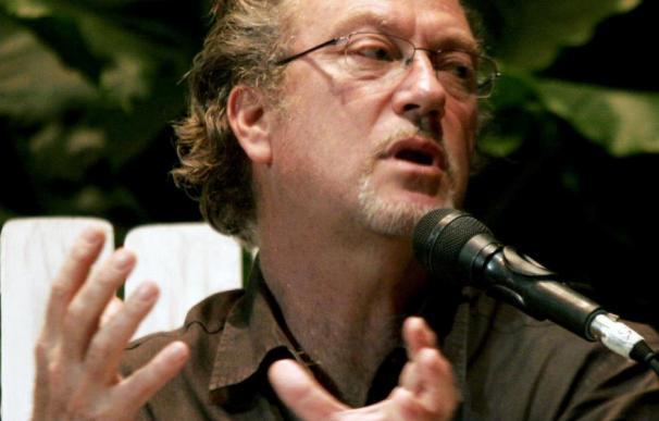 Anderson traza los perfiles de Pinochet, Castro o Chávez en su último libro