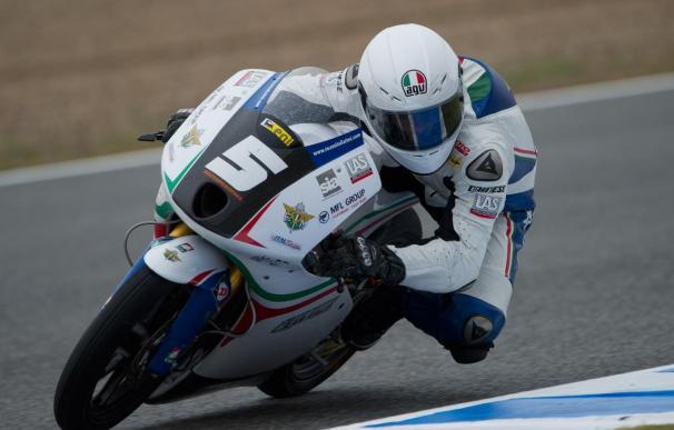 El italiano Fenati logró la victoria en una carrera marcada por las caídas