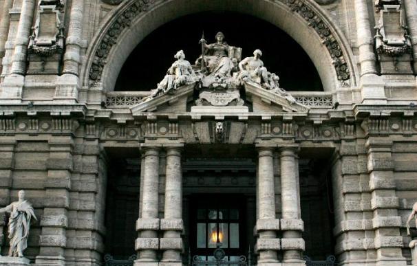 El juicio a Berlusconi por el caso Mills prosigue tras la prescripción a su ex abogado