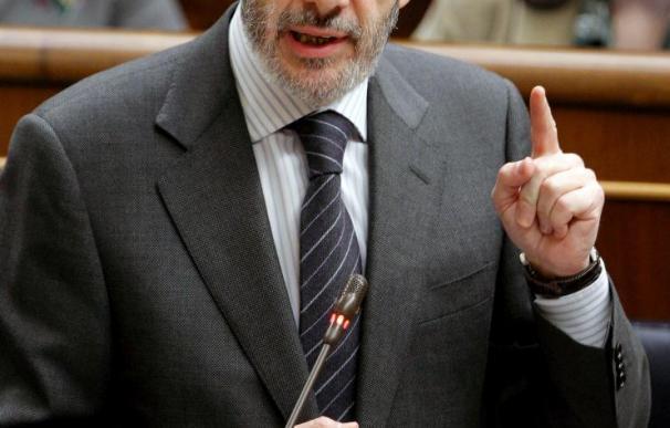 """Rubalcaba no contestará a las """"barbaridades"""" de Gil Lázaro sobre el caso Faisán"""