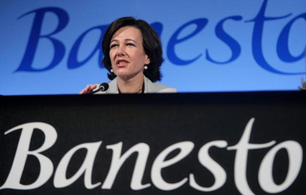 """Ana Patricia Botín dice """"estamos en el buen camino para salir fortalecidos de la crisis"""""""