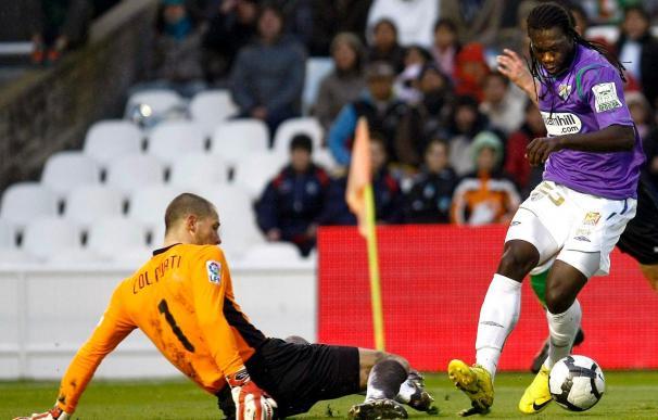 El ecuatoriano del Málaga Caicedo, pese a la contractura, no está descartado ante el Barcelona