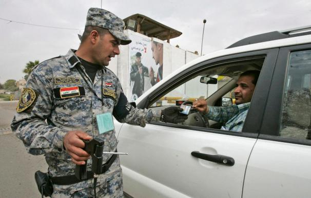 Irak expulsa a 376 oficiales del Ejército y la Policía por vínculos con el partido Baaz