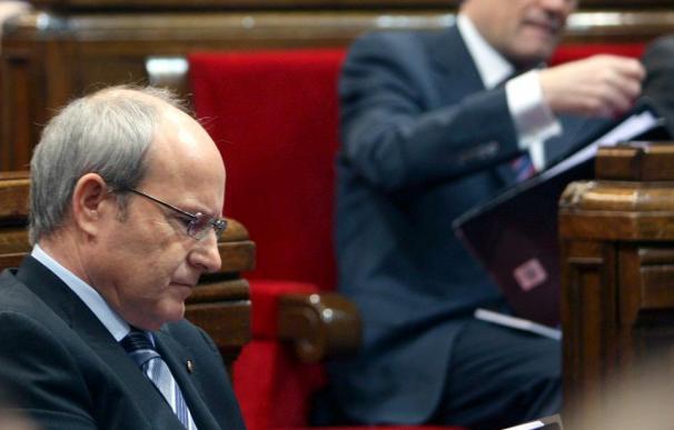 Montilla ofrece a la oposición participar en una cumbre con los agentes sociales