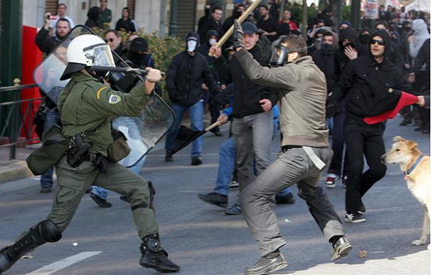 Incidentes violentos durante la manifestación en contra del plan de austeridad