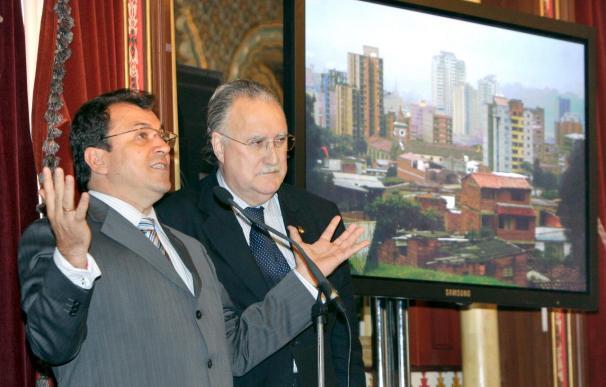 El alcalde de Medellín dice que el narcotráfico y la violencia se combaten con educación