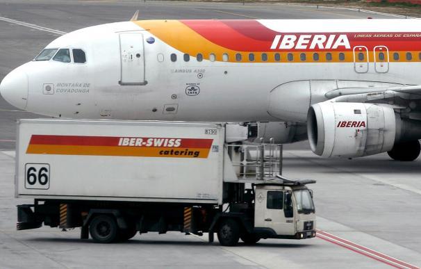 Barajas activa la alerta local por un avión con un supuesto problema en el tren de aterrizaje