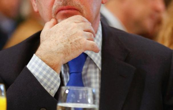 La Asamblea de Caja Madrid ratifica a Rato con un único voto en contra