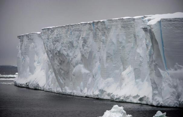 El calentamiento marino derrite uno de los mayores glaciares de la Antártida