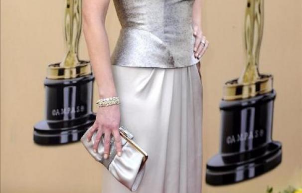 Kate Winslet debe desalojar una mansión de Richard Branson por un incendio