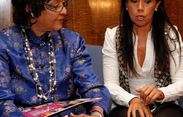 Winnie Mandela opina que la solución del conflicto será de un acuerdo entre partes más Francia y España