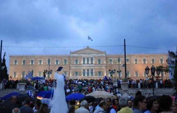 """El FMI confirma que Grecia no ha cumplido con los pagos y declara al país """"en mora"""""""