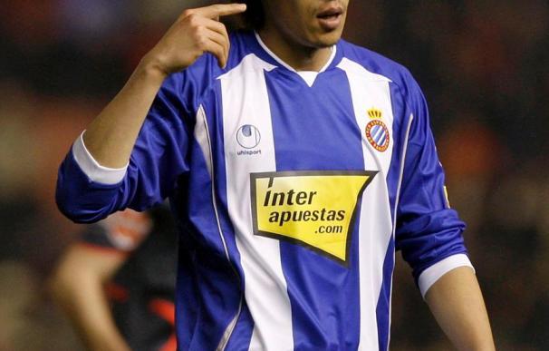 Nakamura posa en la foto oficial de la plantilla del Espanyol