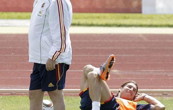 Sergio Ramos no entrena por una sobrecarga muscular