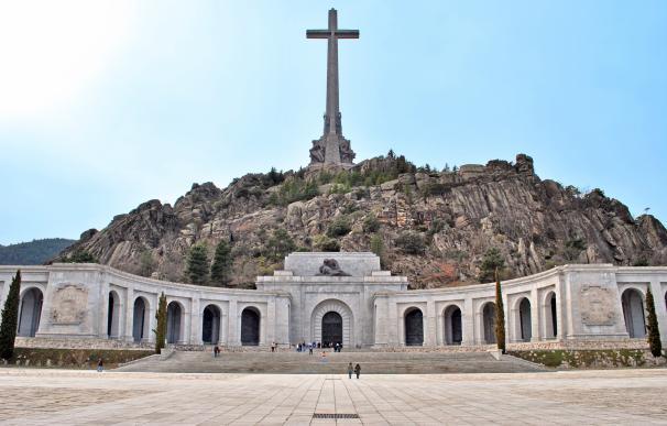 Un juez admite una demanda civil que pide exhumar restos en el Valle de los Caídos