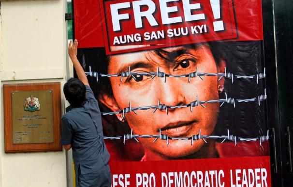 La justicia birmana acaba de nuevo con las ansias de libertad de Suu Kyi