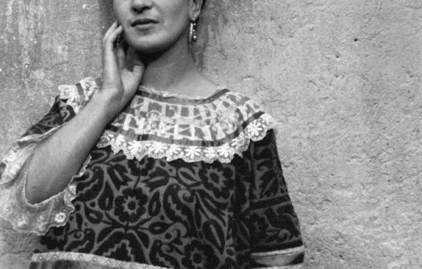 Valladolid reunirá desde el 10 de junio medio centenar de fotografías de la pintora mexicana Frida Kahlo