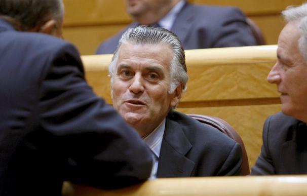 Revilla cree que la actitud de Luis Bárcenas es un fraude a la democracia