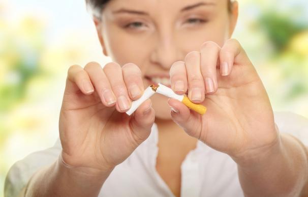 Casi 3.000 personas acuden cada año a la AECC para dejar de fumar, y el 61% lo consigue