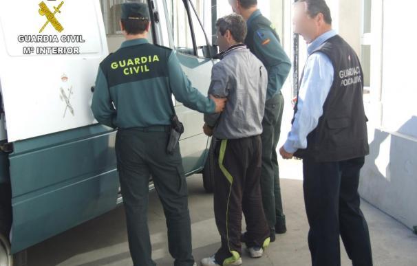 Detenido como presunto autor de dos delitos de robo en dos entidades bancarias de Bujalance