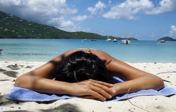 Un estudio muestra que sólo el 2,5% de los españoles se aplica correctamente el fotoprotector