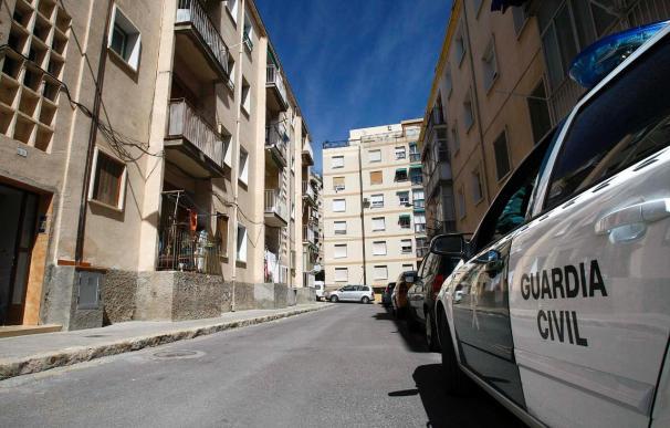La Guardia Civil detiene a dos personas por falsificación de tarjetas de crédito