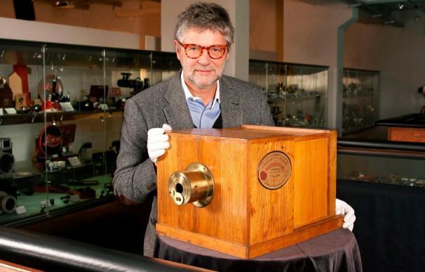 Subastan la cámara fotográfica más antigua del mundo por 732.000 euros