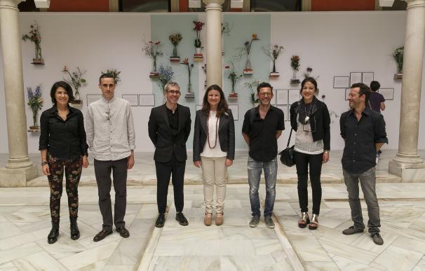 Fundación Cajasol propone un diálogo entre arte contemporáneo y arreglo floral en su nueva exposición