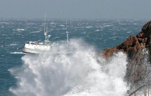 La próxima madrugada llega a España una nueva borrasca en la que el viento y la mar gruesa con olas de cuatro metro serán los protagonistas.