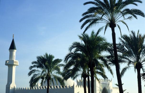 La Costa del Sol conecta la provincia de Málaga con el mundo y la cultura árabe