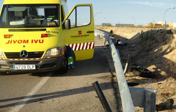 Dos heridos -uno grave y otro leve- al alcanzar un camión a un coche en M-50