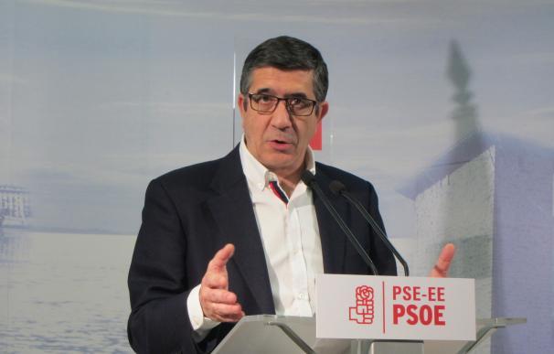 """Patxi López dice que """"sólo el proyecto socialdemócrata"""" puede liderar un cambio frente a los """"extremos"""""""