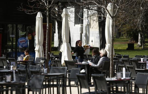 La campaña de verano generará 5.400 empleos en Extremadura, un 4% más que en 2015