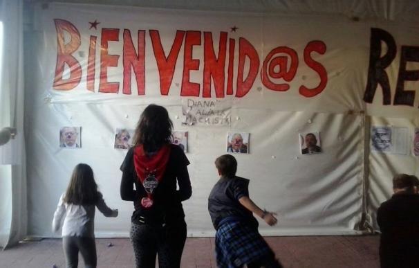 PP acusa a Ganar Móstoles de posible incitación a la violencia al usar como diana fotos de Aguirre o Gallardón