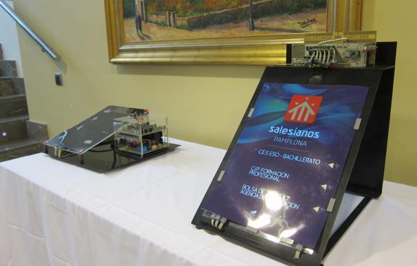 Alumnos de Salesianos Pamplona crean seis dispositivos impresos con una tinta que se ilumina con una señal eléctrica