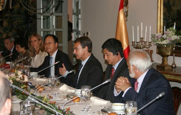 Zapatero se reúne con operadores turísticos chinos en Pekín