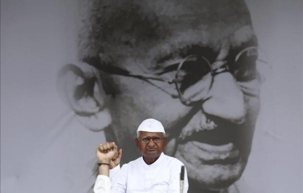 Hazare se recupera en el hospital tras su ayuno, según los médicos