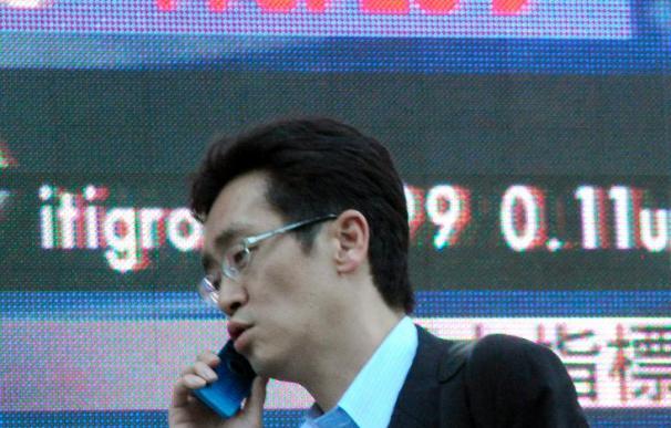 La Bolsa de Tokio sigue por debajo de los 10.000 tras una sesión anodina