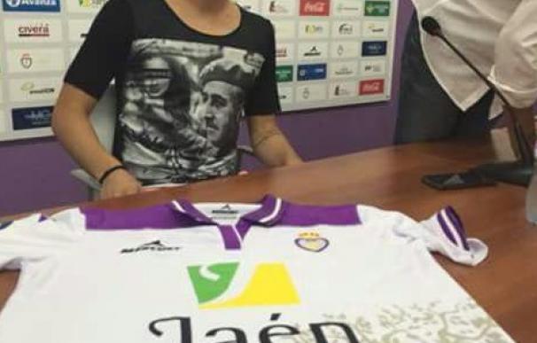 Nuno Silva subastará su camiseta de Franco.
