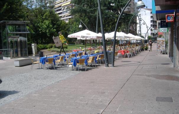 El sector servicios factura un 2,2% más en Galicia en enero y el empleo aumenta un 0,5%