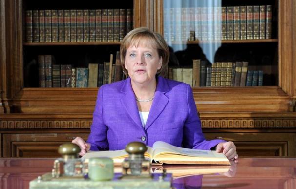 """Merkel anuncia la preparación de una """"agenda del crecimiento"""" para la UE"""