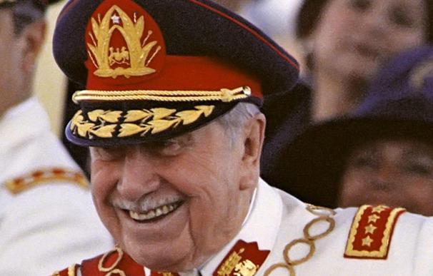 Retiran el nombre de Augusto Pinochet de la medalla que entrega el Ejército de Chile